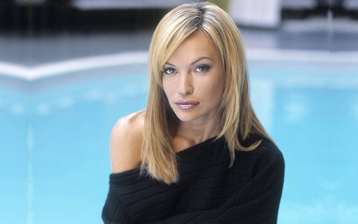 Jolene Blalock – Biography 2021