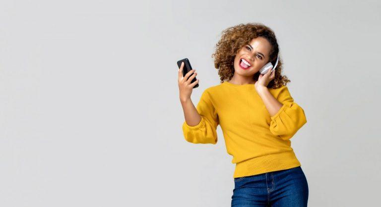 Top 8 Wireless Bluetooth Headphones Under $200