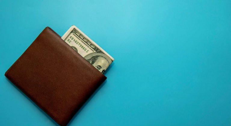 The 12 Best Minimalist Wallets for Men