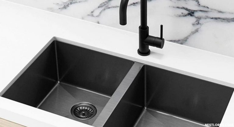 How to Unclog a Kitchen Sink?