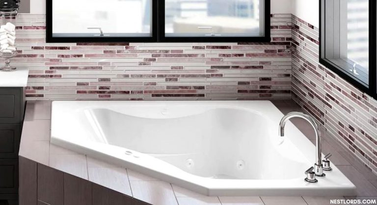 6 Best Whirlpool Tubs In 2021: Reviews & Buyers' Guide